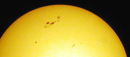 Huge sunspots, March 31, 2001